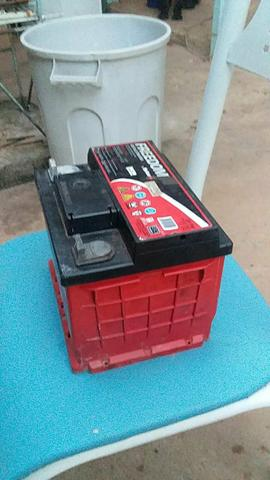 Bateria estacionária DF 700 heliar interessado chamar no zap. - Foto 4