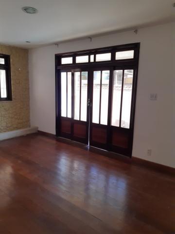 Casa 3 quartos na Trindade com garagem e quintal - Foto 2