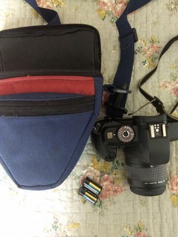 Camera fotografica Analogica Canon EOS 5000 com filme