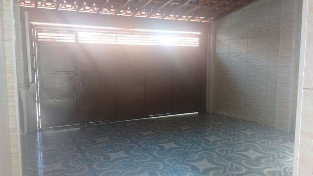 Casa em Condomínio Fechado - 04 quartos, 03 Banheiros - Foto 2