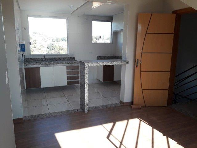 Cobertura pronta pra morar no Rio Branco ? 2 quartos, churrasqueira, 1 vaga - Foto 2