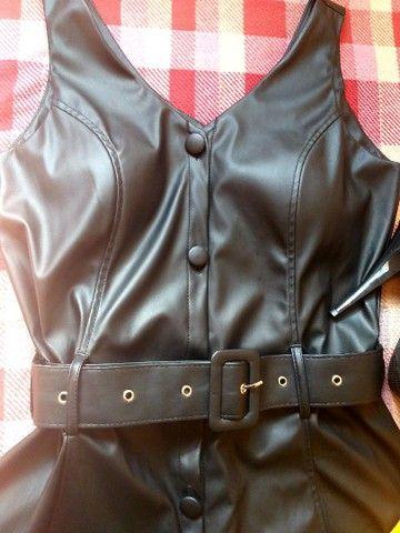 Vendo Vestido e Scarpins - Foto 3