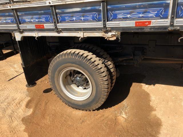 Caminhão munck - Foto 4