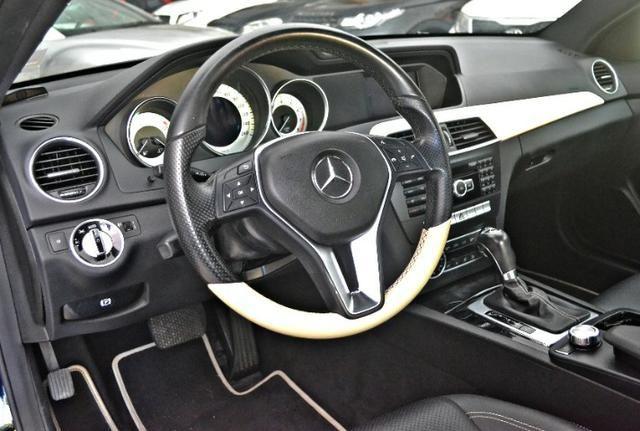 Mercedes Benz C180 1.6 CGI Coupe. Preta 2012/12 - Foto 7