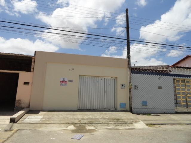 CA0030 - Casa m² 132, 02 quartos, 03 vagas, Conj. Antônio Correira - Messejana