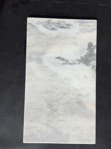 Tampo de mármore branco carrarinha L70cm x P40cm