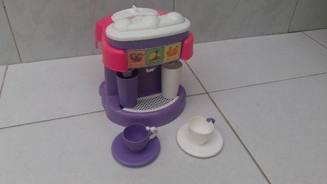 Brinquedo de máquina de suco e cafeteira