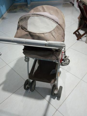 Vendo carrinho de bebê Galzerano - Foto 4