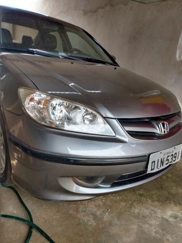 Honda Civic 1.7 automático