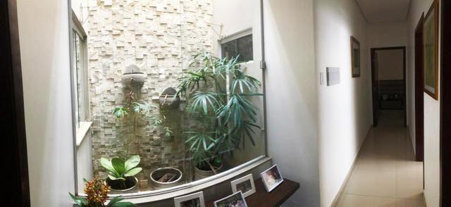 Casa em Condomínio Fechado, com: 3 quartos, sendo uma suíte com closet