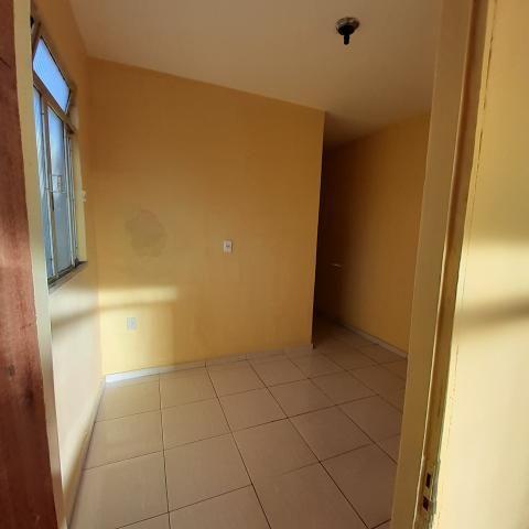 Barracão 3 cômodos + banheiro CANADÁ - Foto 4