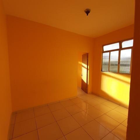 Barracão 3 cômodos + banheiro CANADÁ - Foto 5