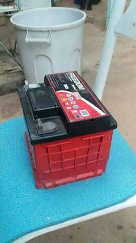 Bateria estacionária DF 700 heliar interessado chamar no zap. - Foto 2