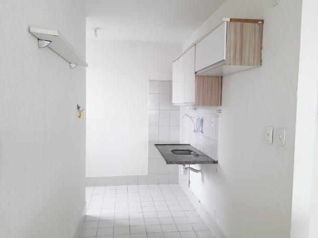 Apartamento de 2/4 com varanda com Vista Mar No Rio Vermelho - Foto 9