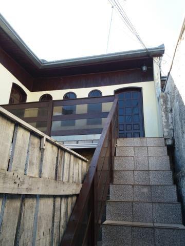 Casa no Pinheirinho p casal sem filhos 600,00 direto c/ Proprietário