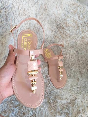 Sapatilhas e sandálias - Foto 4