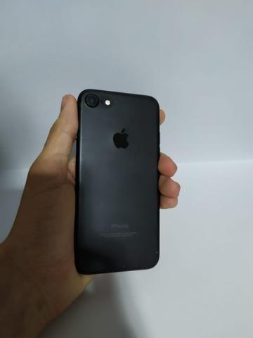 Iphone 7, 32gb (caixa, carregador e fone)