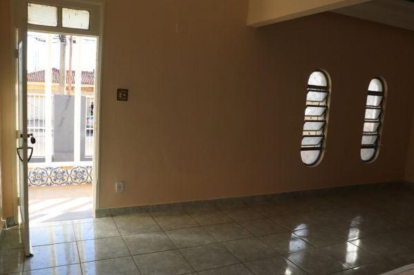 Casa com 3 quartos - Bairro Setor Aeroporto em Goiânia - Foto 7