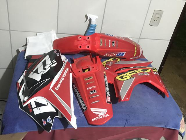 Kit plasticos CRF 230 sem uso - Foto 2