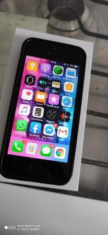 Iphone 5s 32gb com 3 case, carregador caixa completo - Foto 2