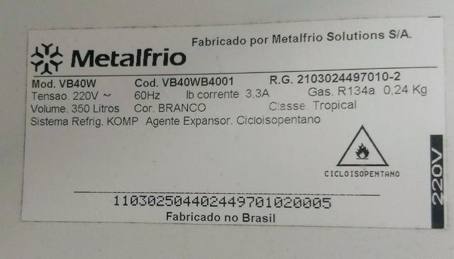 Geladeira expositora Metalfrio 220v 350L - Foto 2