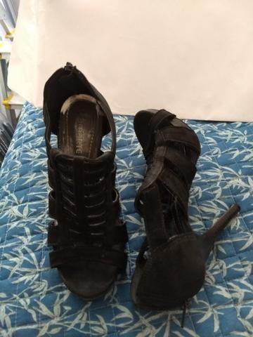 Desapego calçados e roupa- festa/ casual - Foto 4