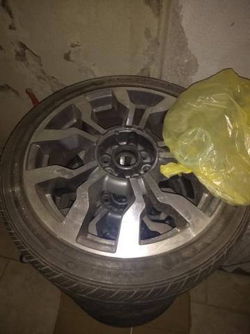 Vendo jogo de rodas com pneu!!!