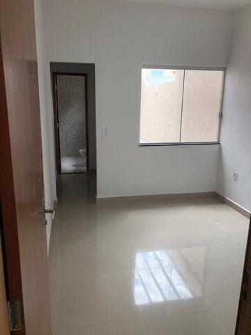 Vendo casa no Moinho Dos Ventos 2 suites com Churrasqueira - Foto 2