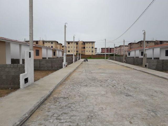 Vende-se ou troca-se por carro, uma casa nova recém construída em condomínio fechado - Foto 15
