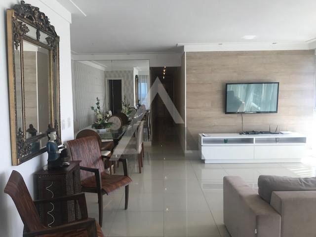 Apartamento mobiliado, nascente, andar alto 4 quartos em Patamares/Salvador-BA