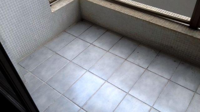 Apartamento 3 quartos suite com sacada Guaruja Tombo - Foto 2