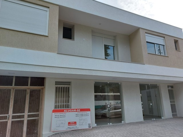 Excelente Sala/Conjunto de frente para Praça Pinheiro Machado e Catedral em Santo Ângelo - Foto 2
