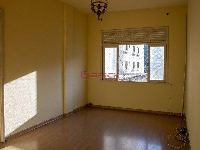 Apartamento com 2 quartos no Alto.