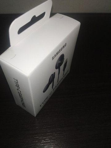 Fone de ouvido Intra Auricular Preto Samsung AKG (12 meses garantia e está lacrado) - Foto 3