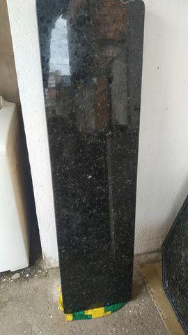 VENDO PIA COM CUBA (0,61x1,47cm) E BALCÃO (1,52x0,40cm) EM GRANITO PRETO SÃO GABRIEL - Foto 4