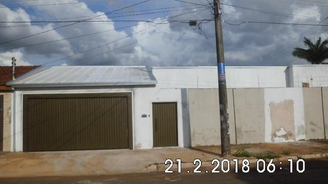 Casa 3 quartos Vila Alba, reformada aceito carro ou terreno