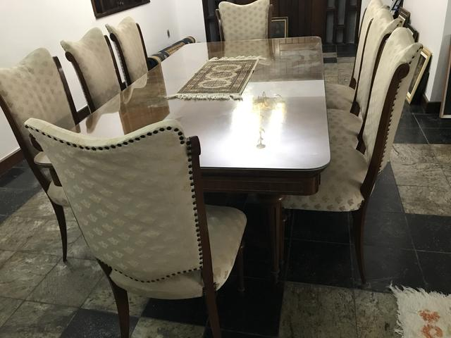 Antiga mesa em imbuia ! Medidas 2m x1m - Foto 2