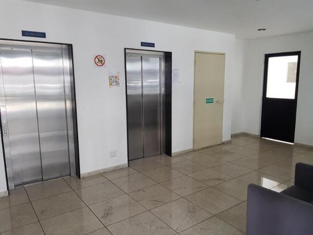 Vendo apartamento no Edificio Dom Helder Camara