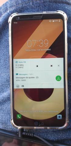 LG Q6 32g acompanhar caregado e fone de ouvido. Valor 400.contato *