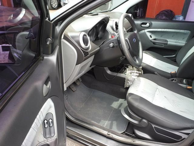 Ford Fiesta 1.0 Flex 5p - Foto 13