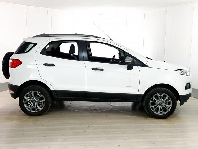 Ford EcoSport FREESTYLE 2.0 16V 4WD Flex 5p - Branco - 2017 - Foto 4