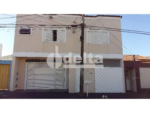 Casa para alugar com 3 dormitórios em Jardim brasília, Uberlândia cod:301289