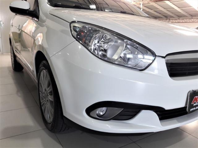 Grand siena essence 1.6 ano 2015 placa i completo roda de liga e som - Foto 15