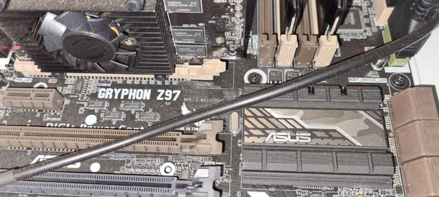 Desktop Intel Core i7 ASUS hd 1T SSD 60g 16Ram Corsair GeForce 8400GS 1GB