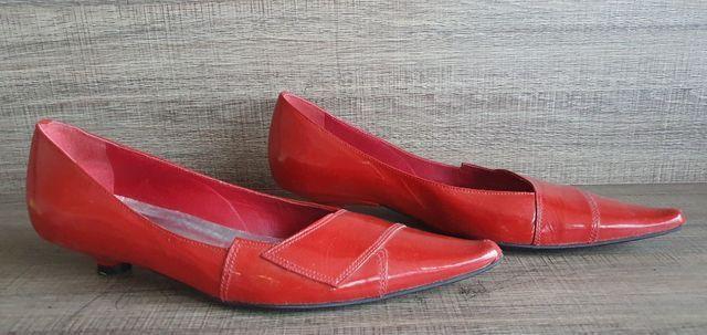 Sapato verniz 35 vermelho salto baixo