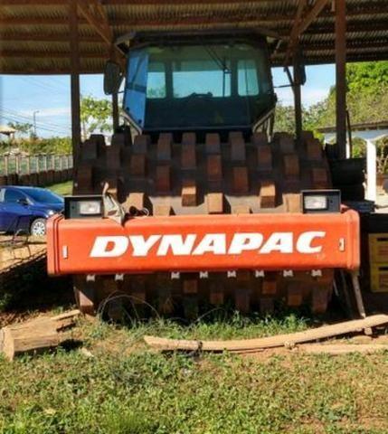 Retroescavadeiras e Rolo Dynapac - Foto 2