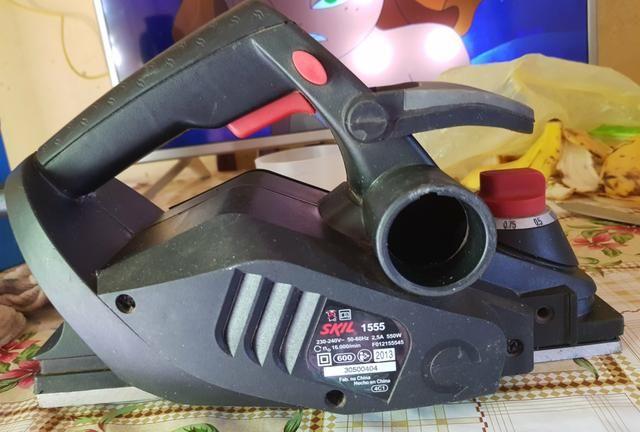 Vendo Plainadeira Elétrica SKIL 550W por R$250,00 - Foto 4