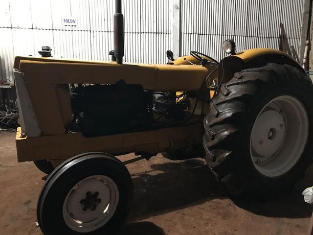 Trator CBT 1105