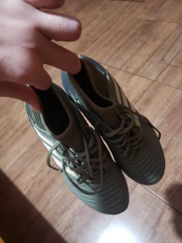 Chuteira Adidas predator - Foto 3