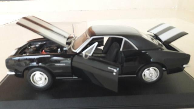 Maisto - Chevrolet Camaro 1967 - Escala 1:18 - Metal Collection Colecionadores - Foto 5